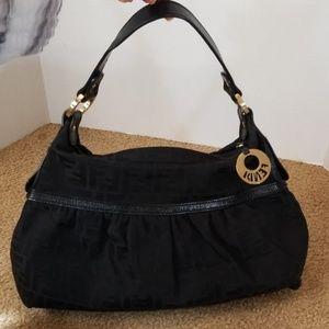 ♥️Beautiful Fendi shoulder bag